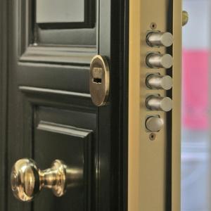 protege-tu-casa-con-puertas-blindadas