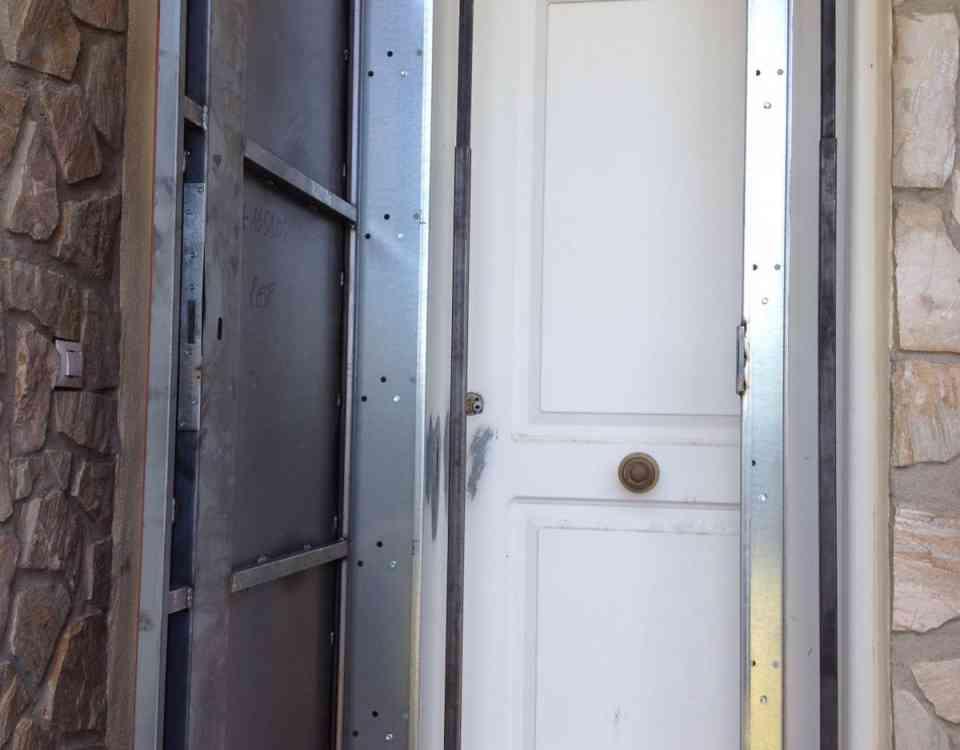 puertas anti okupa 960x750 - Te contamos cómo funcionan las Puertas Anti Okupa en Barcelona