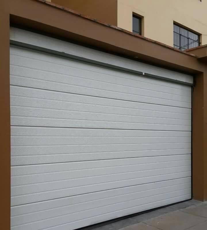 puertas garaje P2 - Instalación y Reparación Puertas de Garaje y Motor