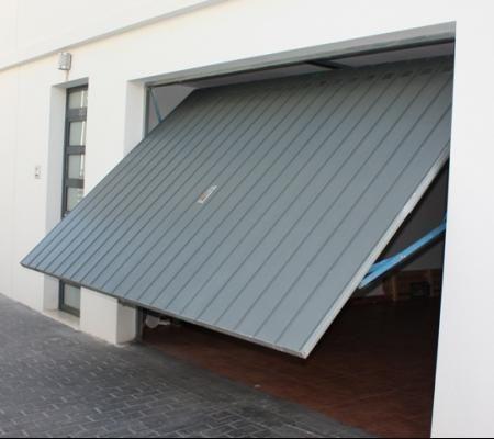 Puerta Basculante 2020 10 3 - arreglar reparar puertas de garaje basculantes hospitalet de llobregat